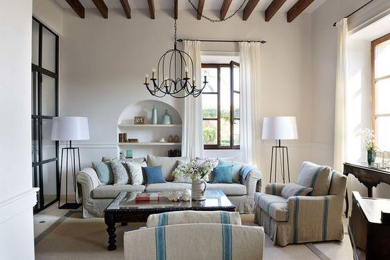 Cal Reiet Hotel Living Room