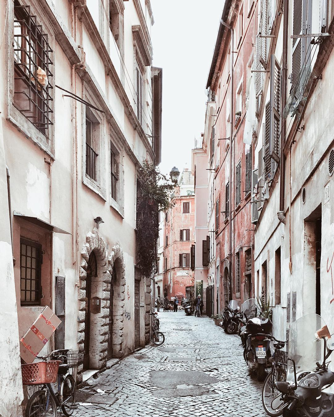 Side Lanes of Rome- Photo credit: Giulio Pugliese